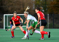 Niamh Sweeney battles with Nicola Kerr
